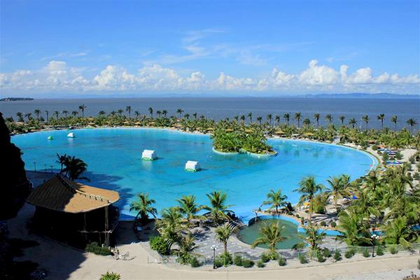 Hồ bơi nhân tạo lớn nhất châu Á ở Hòn Dáu