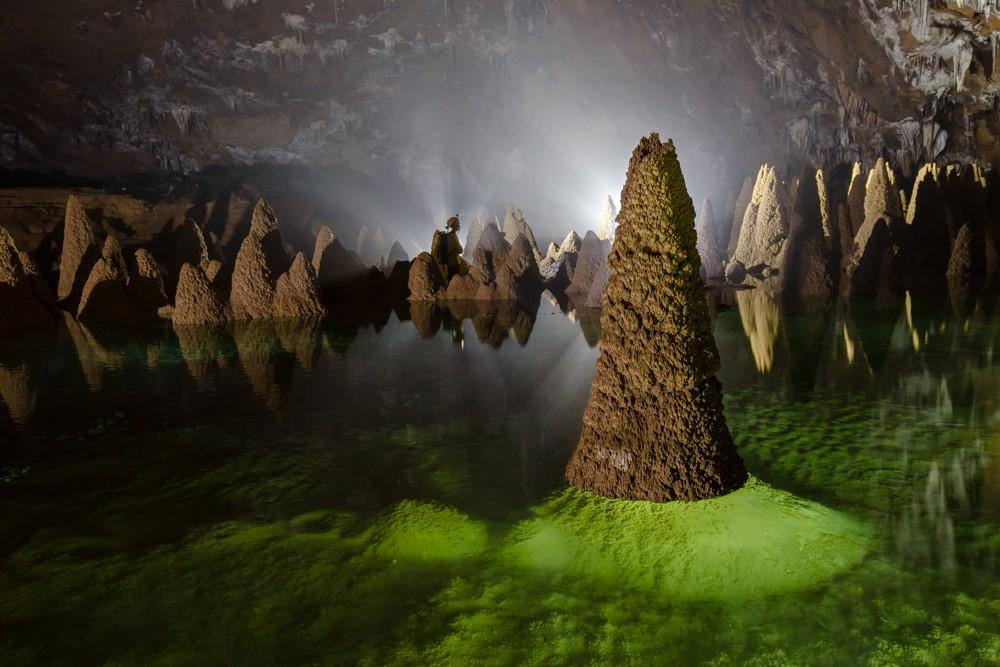 Nét hoang sơ đẹp đến kì lạ của hang Sơn Đoòng