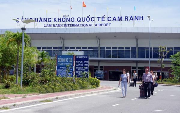 Vé máy bay Nha Trang đi Hà Nội giá rẻ chỉ từ 380.000 đồng