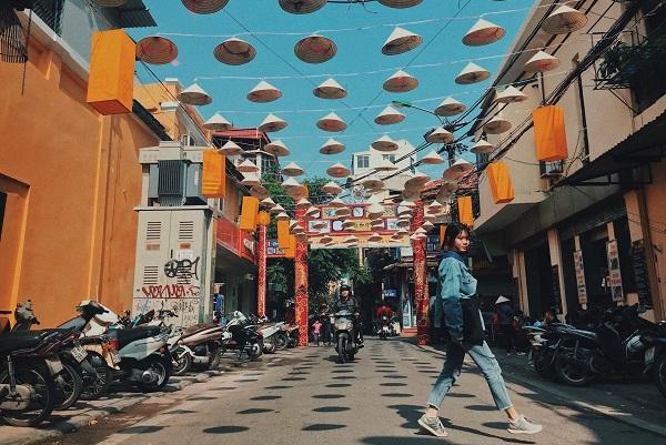 Bạn có thể đi du lịch Hà Nội vào mùa thu hoặc cuối mùa xuân